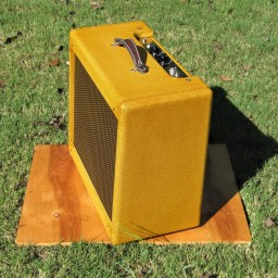 "1x12"" 5F10 Harvard or 5F2A Princeton. Same chassis and cabinet for both. 5F10 has 2x 6v6, adjustable fixed bias, 12-14 watts. 5F2A has 1x 6v6, single-ended, 3-way negative feedback switch. 5-6 watts. Currently with Eminence Legend 1258 speaker. Shellac & tweed."